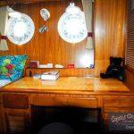 DD382 interior cabin aft desk