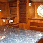 Diesel Duck 462 master statesroom