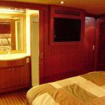 islander 60 master stateroom 3