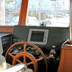 seahorse 52 trawler helm